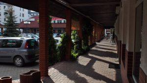 Pasaż handlowo-usługowy przy Morcinka: podcienia