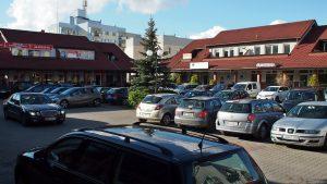 """Pasaż handlowo-usługowy przy Morcinka: parking w centrum """"rynku"""""""